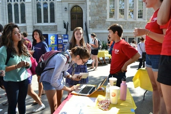 5 Reasons to Join Clubs on Your College Campus