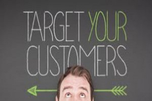 4 Effective Ways to Advertise a Business and Reach Interested Individuals